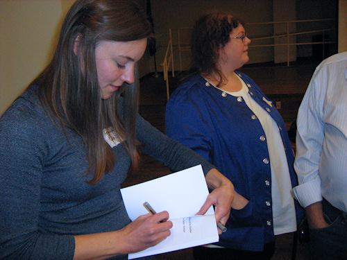Amanda Wais signing her book